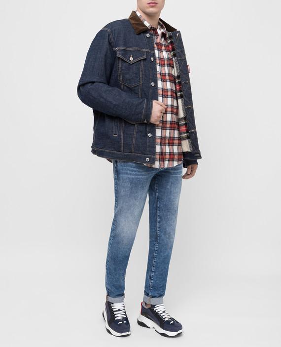Синяя джинсовая куртка hover