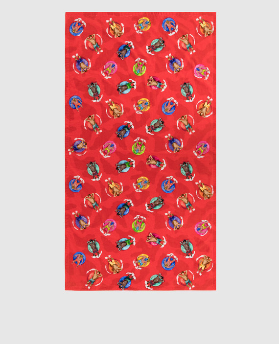 Красное полотенце