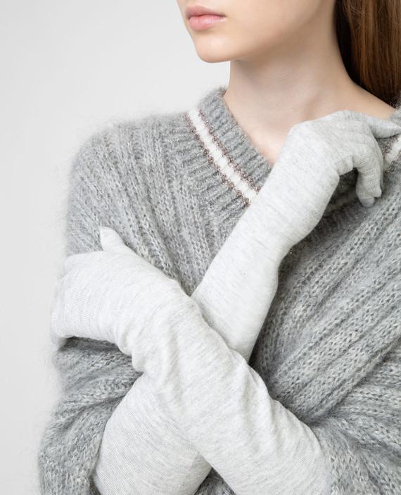 Светло-серые перчатки hover