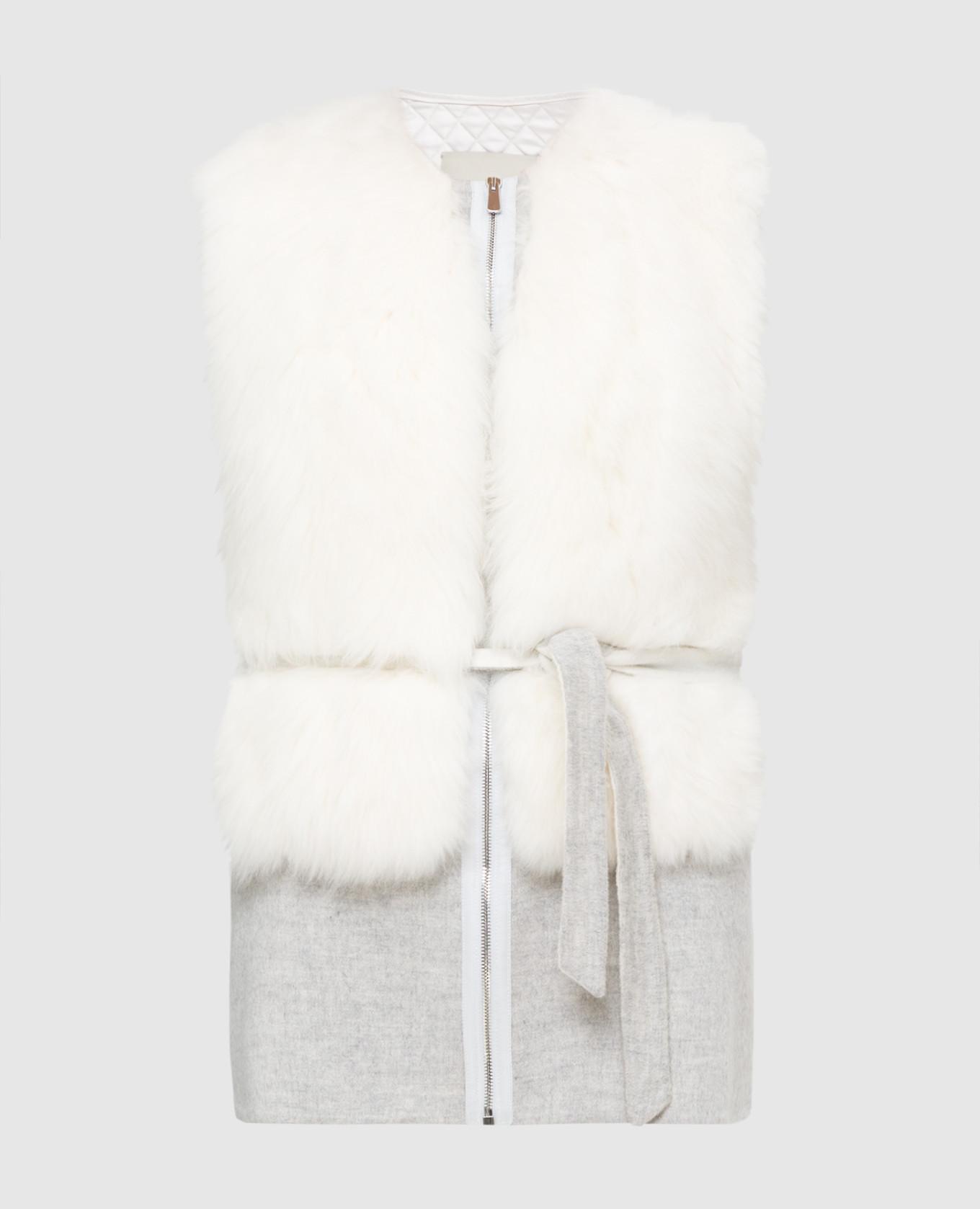 Белый жилет