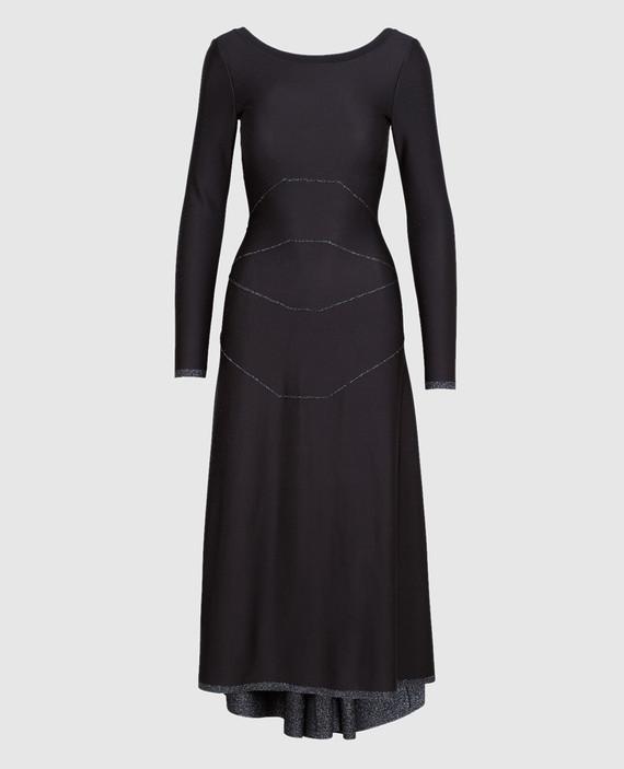Черное платье с V-образным вырезом на спине