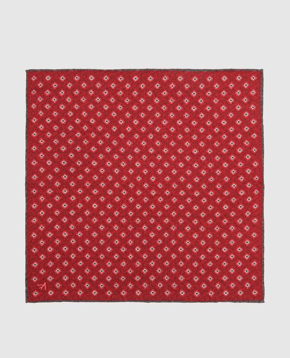 Красный платок из шелка