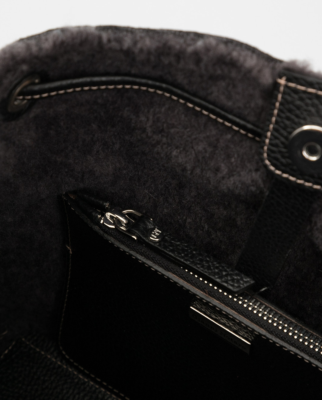 Gianni Notaro Черная сумка из кожи и меха изображение 5