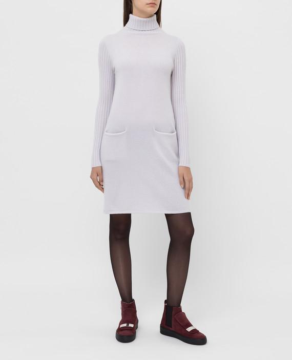 Бежевое платье из кашемира hover