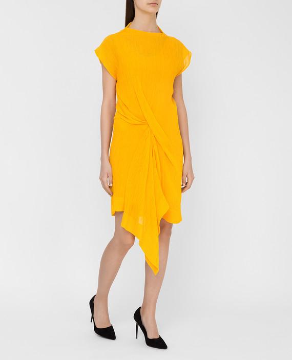 Темно-желтое платье hover