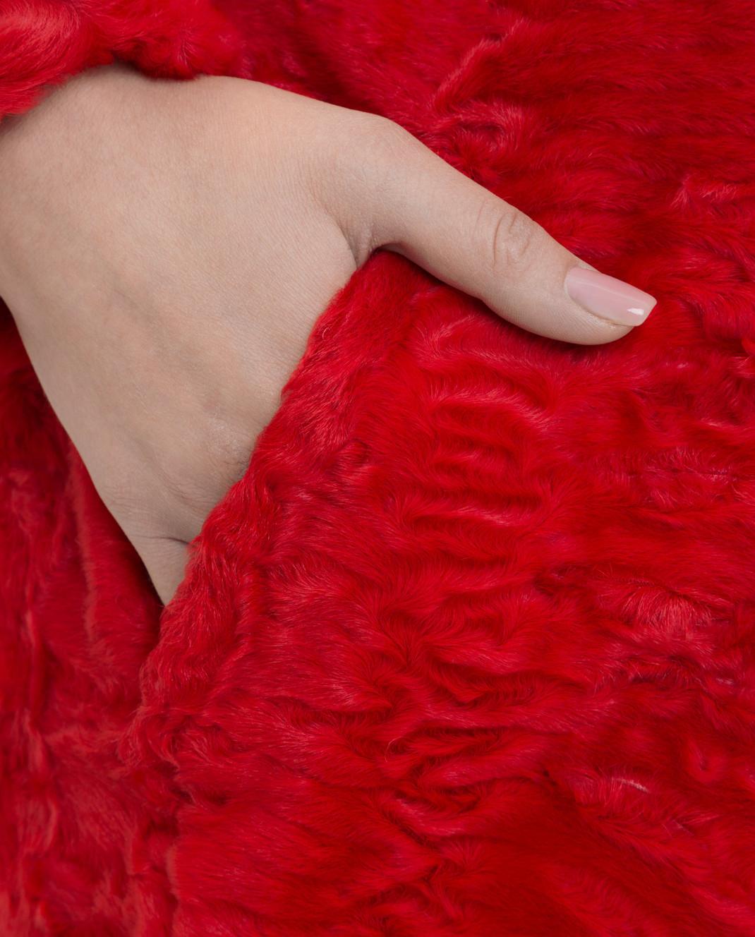 Giambattista Valli Красная шуба из персидского ягненка с воротником из меха норки GBE45A00CPP0365 изображение 5