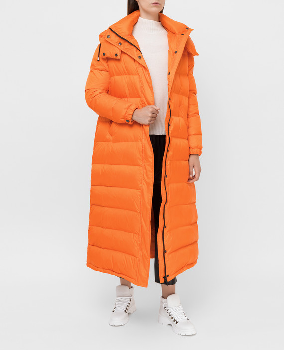 Оранжевый пуховик hover
