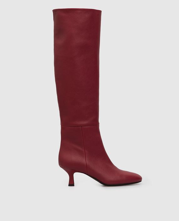 Красные кожаные сапоги
