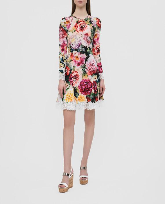 Платье с кружевом hover