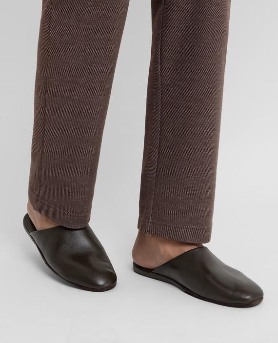 Темно-коричневые кожаные тапочки hover