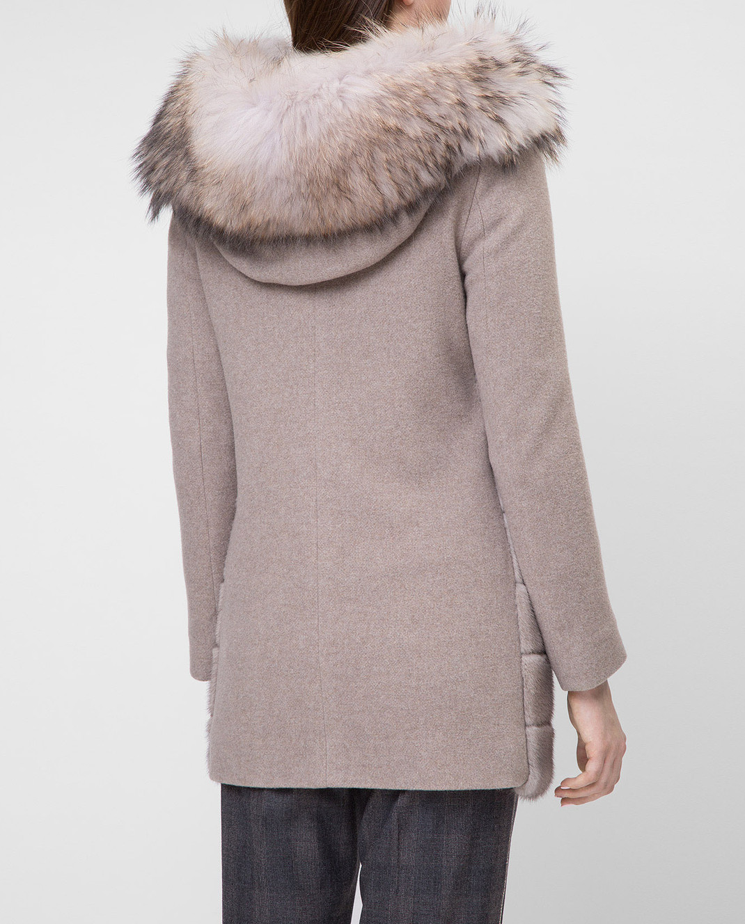 Real Furs House Бежевое пальто с мехом енота 922RFH изображение 4