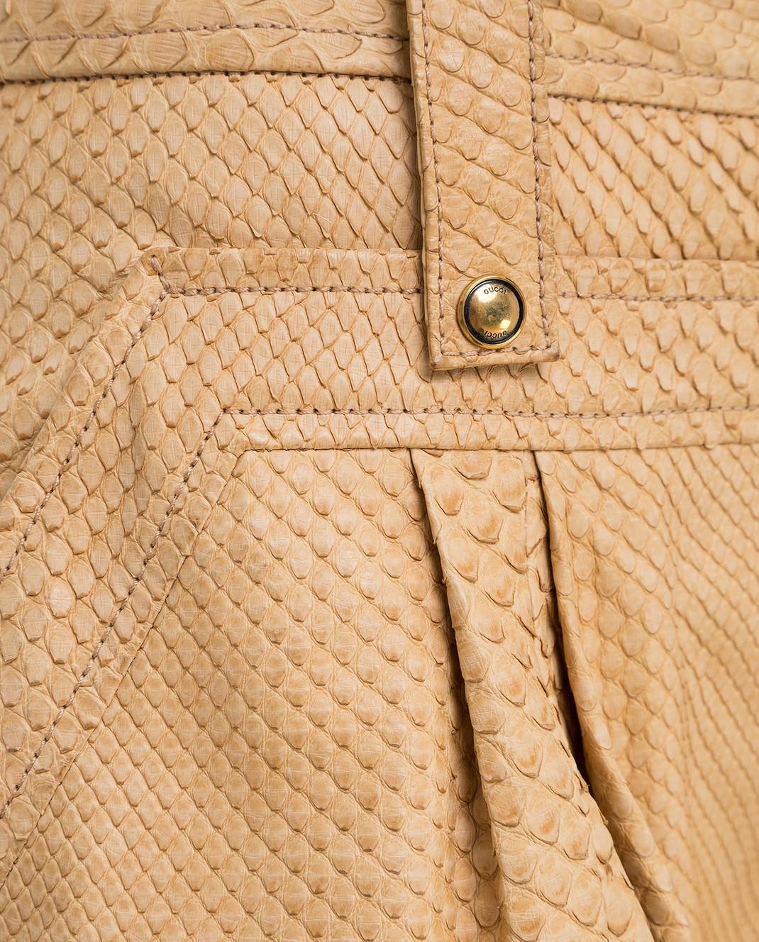 Gucci Бежевые брюки из кожи питона 264366 изображение 5