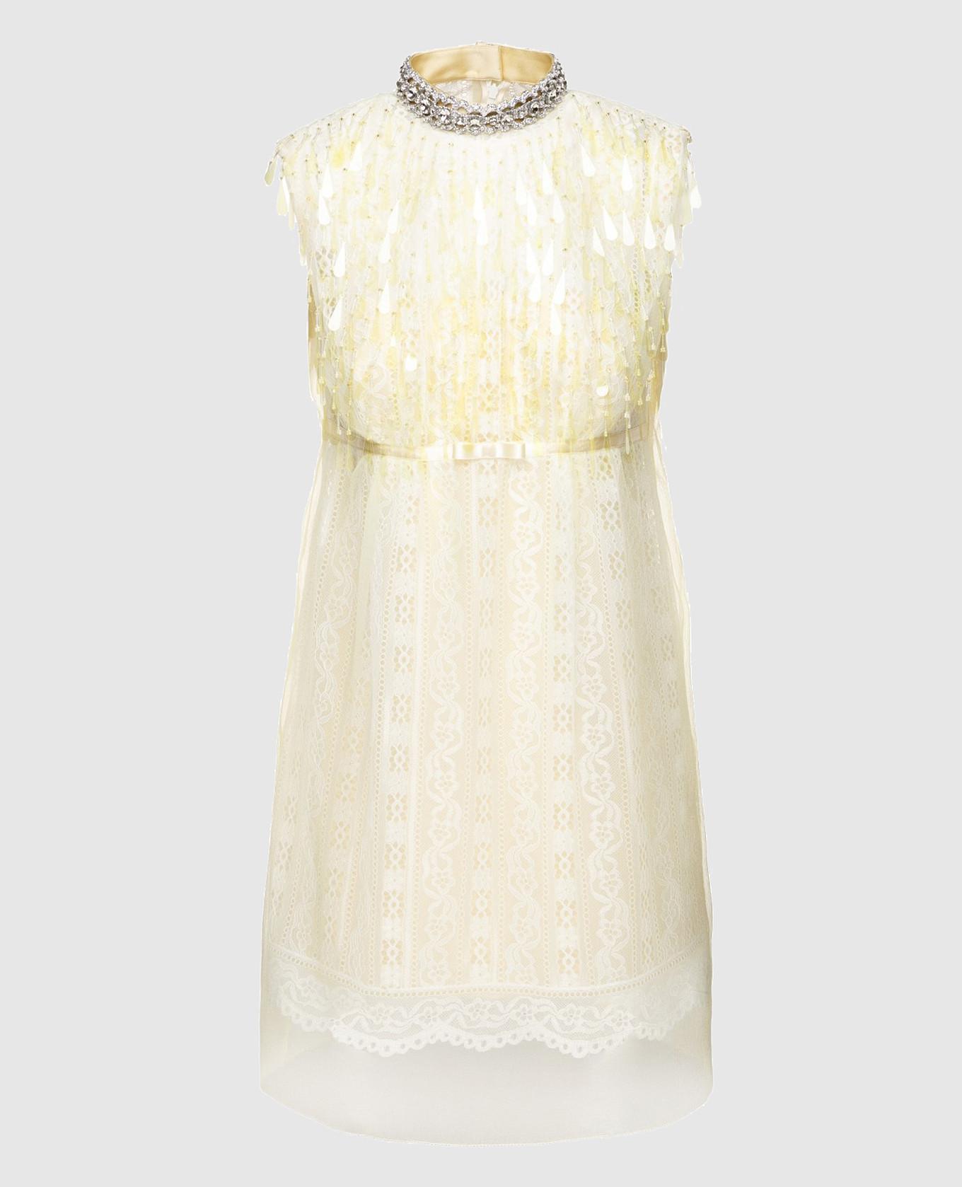 Желтое платье с кружевом