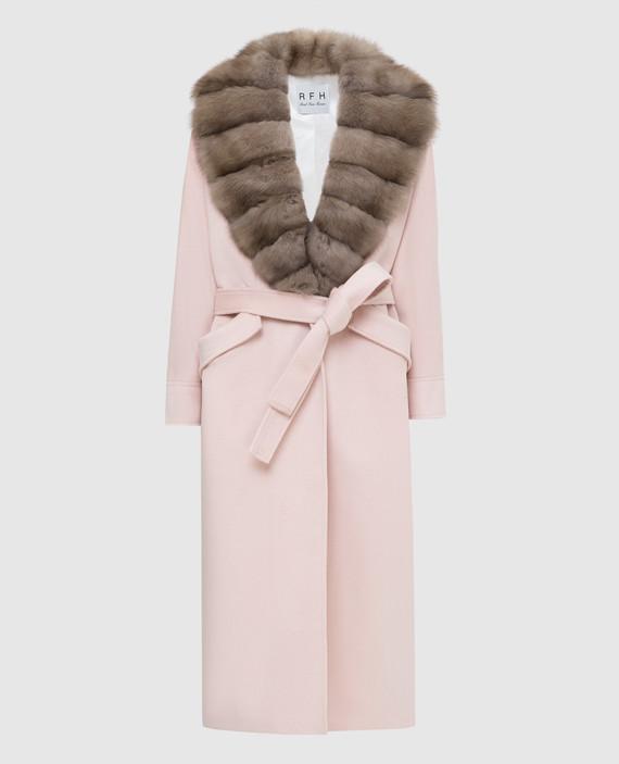 Светло-розовое пальто из кашемира с мехом соболя