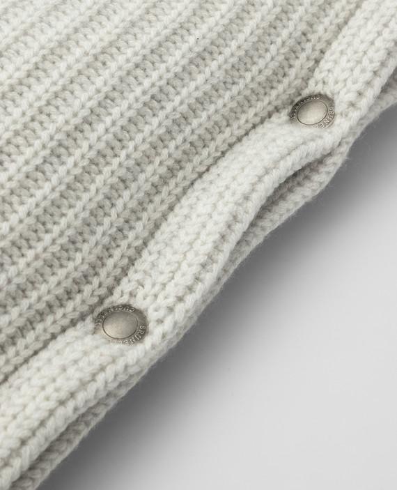 Светло-серая подушка из кашемира hover