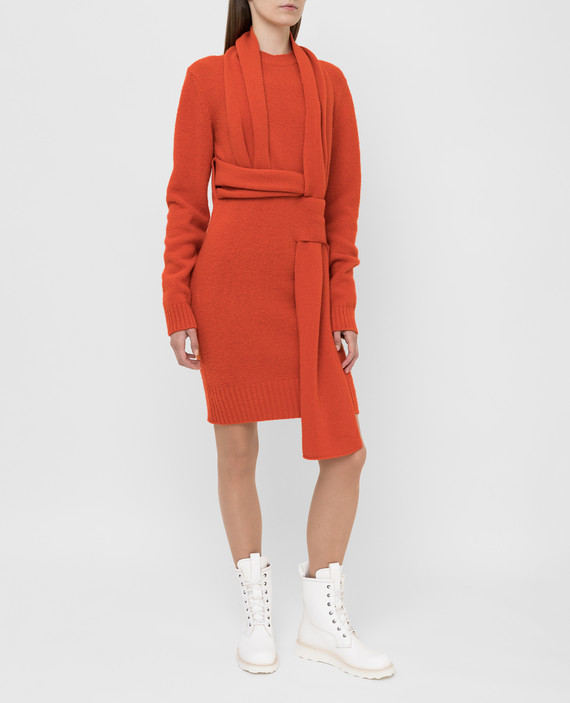 Оранжевое платье из шерсти hover