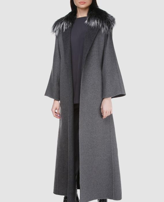 Серое пальто с мехом hover