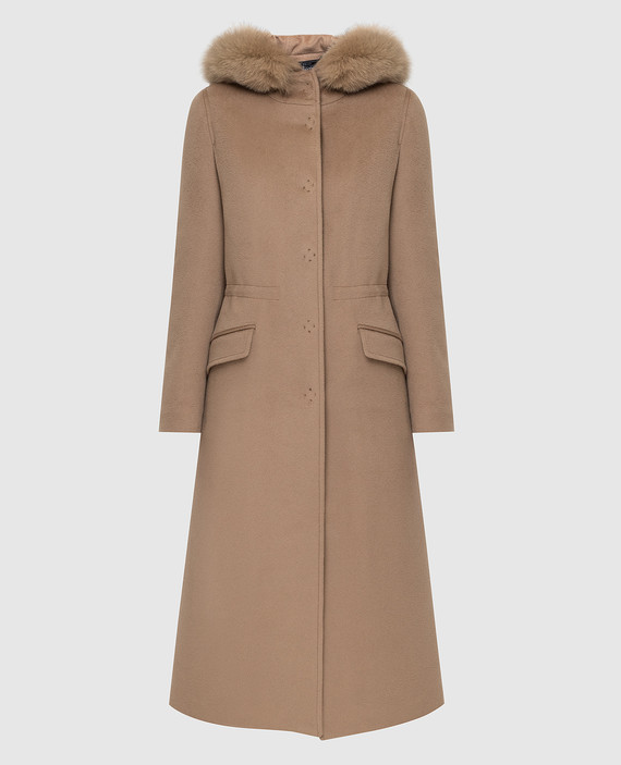 Бежевое пальто с мехом лисы