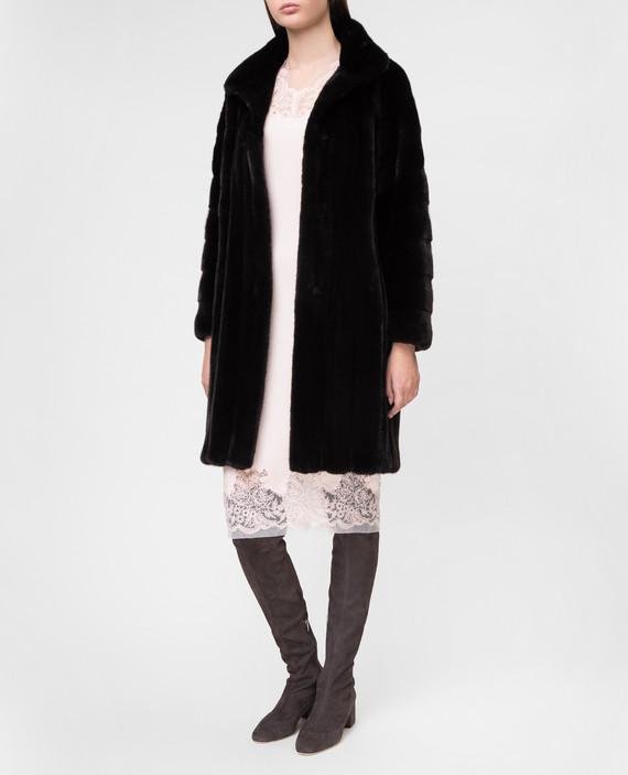Черное меховое пальто hover