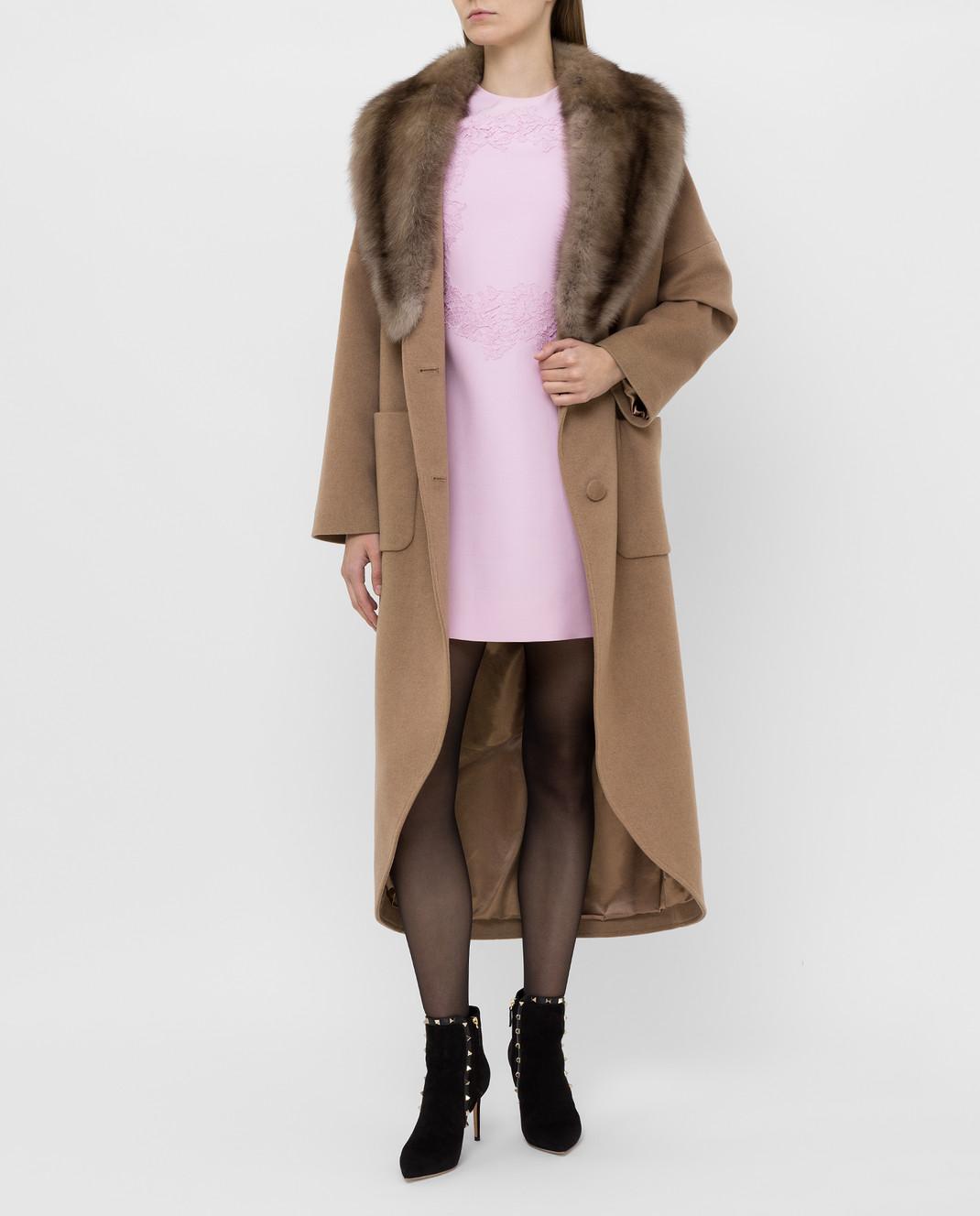 Real Furs House Бежевое пальто из кашемира с мехом соболя изображение 2