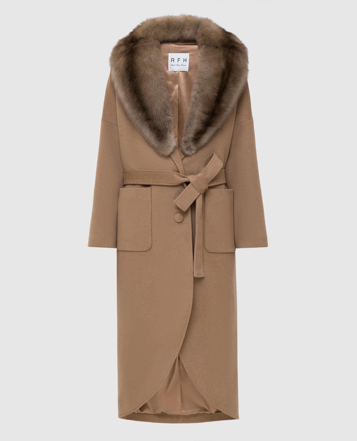 Бежевое пальто из кашемира с мехом соболя