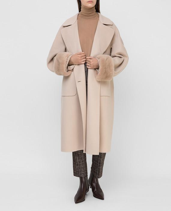 Бежевое пальто из шерсти hover