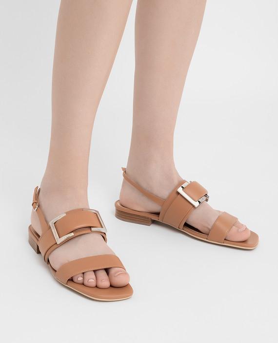 Бежевые кожаные сандалии hover