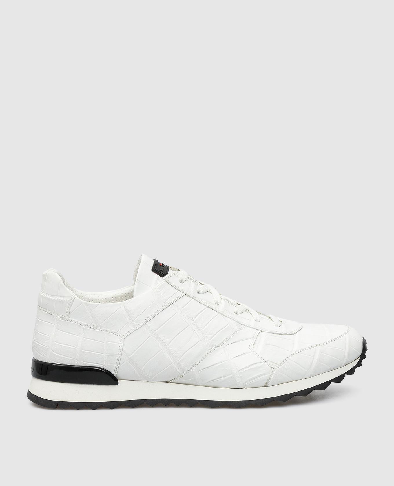 Белые кроссовки из кожи крокодила