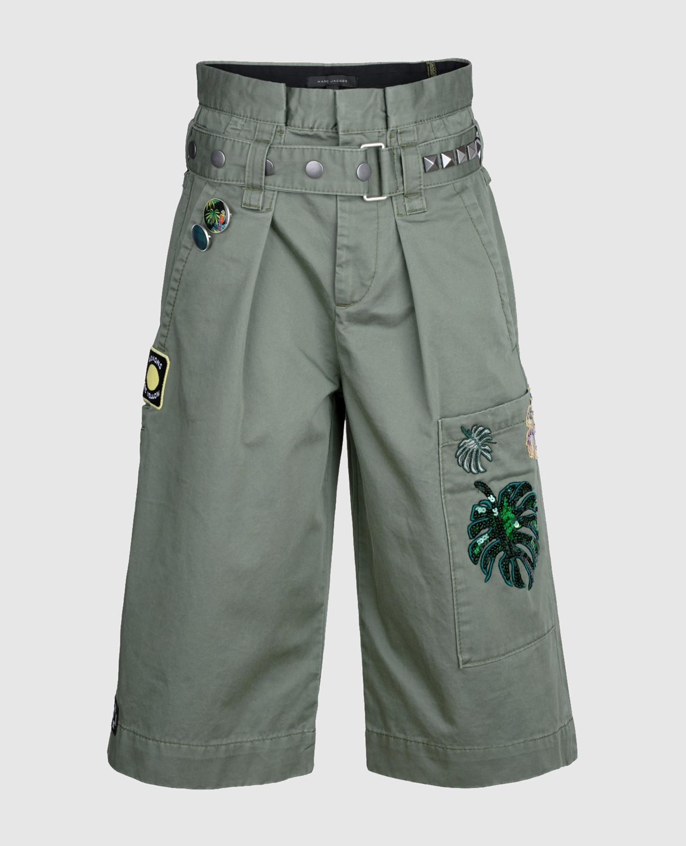 Зеленые шорты со съемным ремнем
