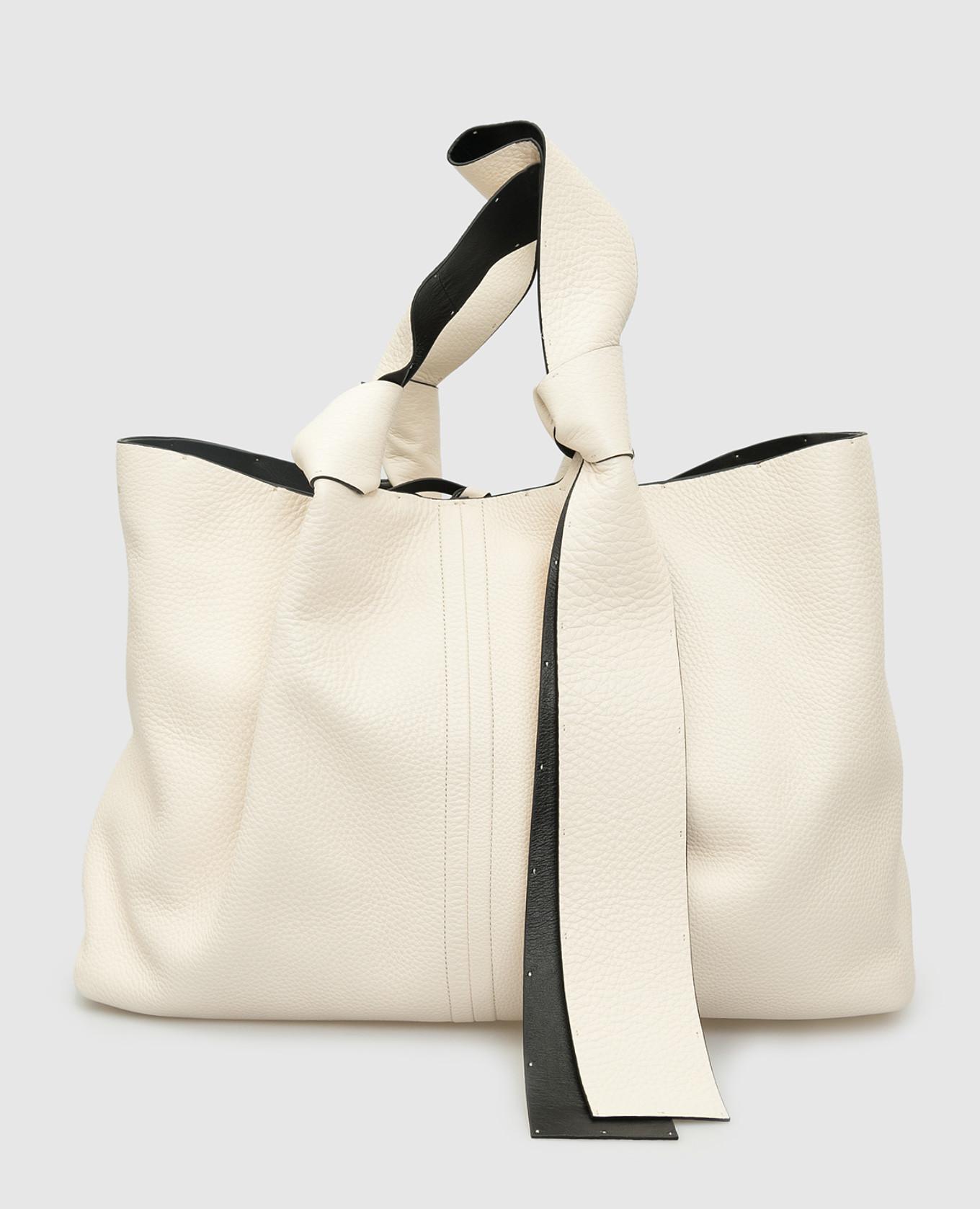 Светло-бежевая кожаная сумка Valentino