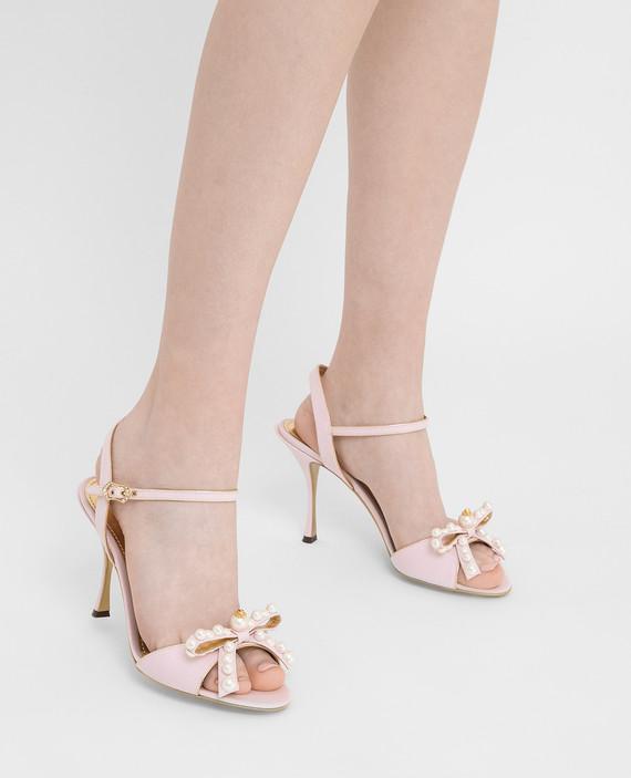 Розовые босоножки hover