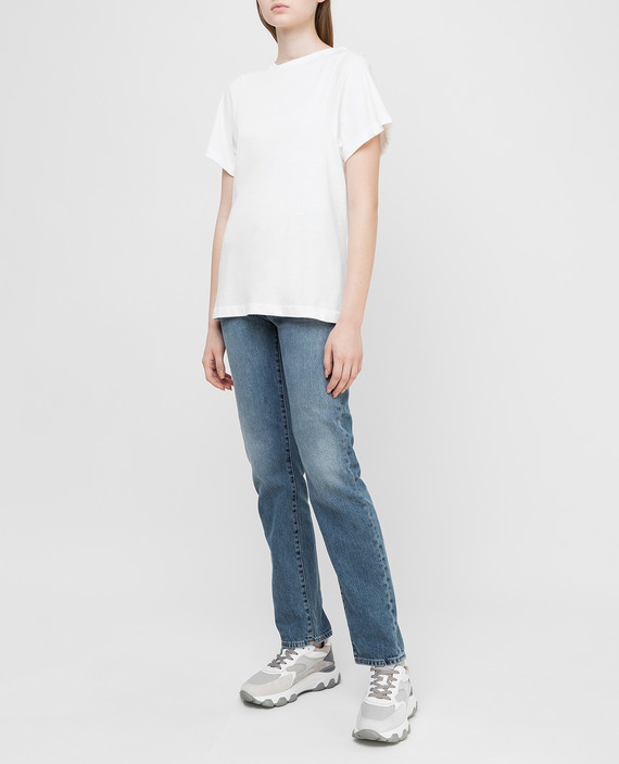 Белая футболка hover