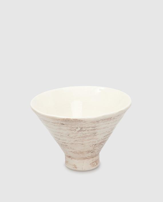 Бежевая тарелка из керамики hover