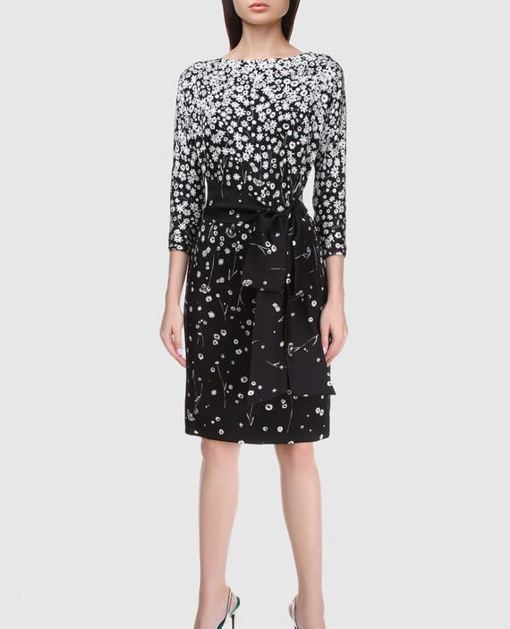 Черное платье из шелка hover