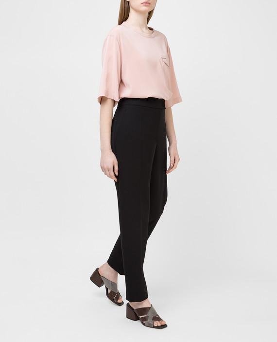 Розовая футболка из шелка hover
