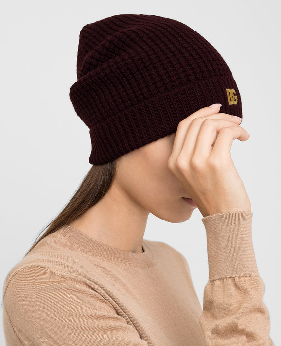 Бордовая шапка из кашемира hover