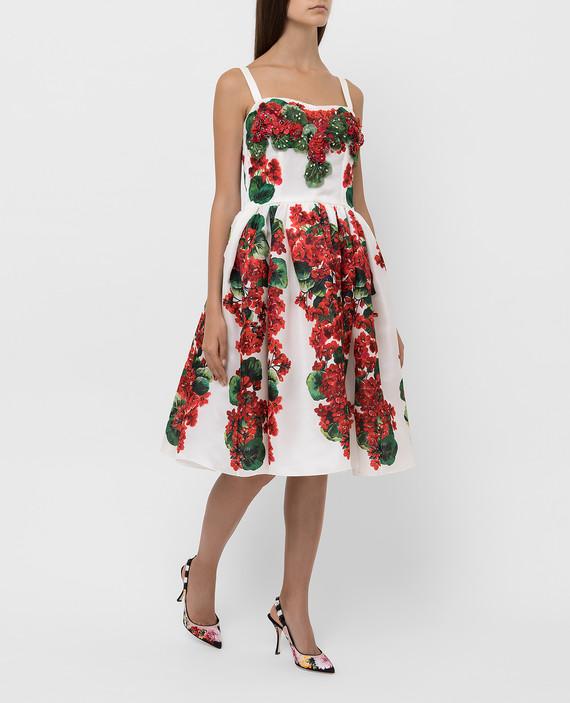 Светло-бежевое платье из шелка hover