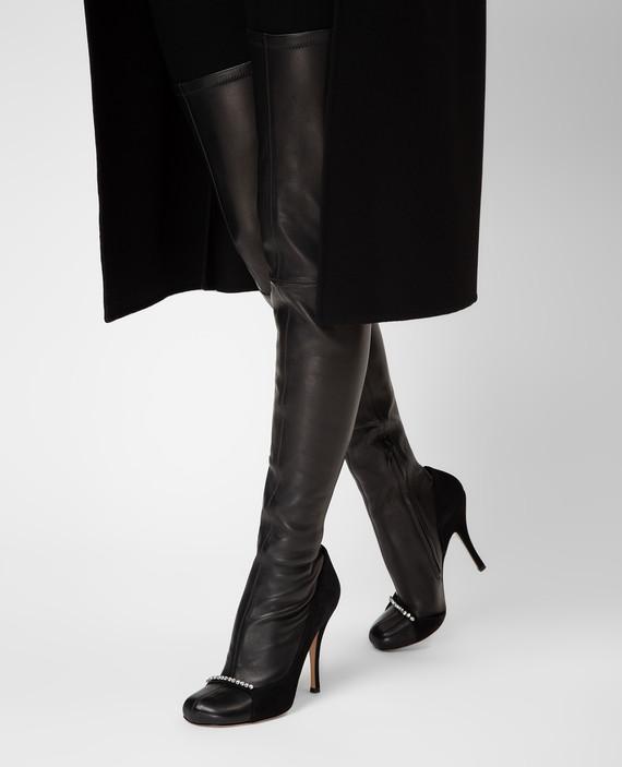 Черные кожаные ботфорты hover