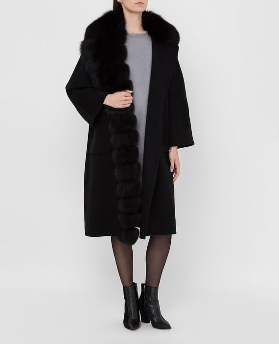 Черное пальто из шерсти с мехом лисы hover