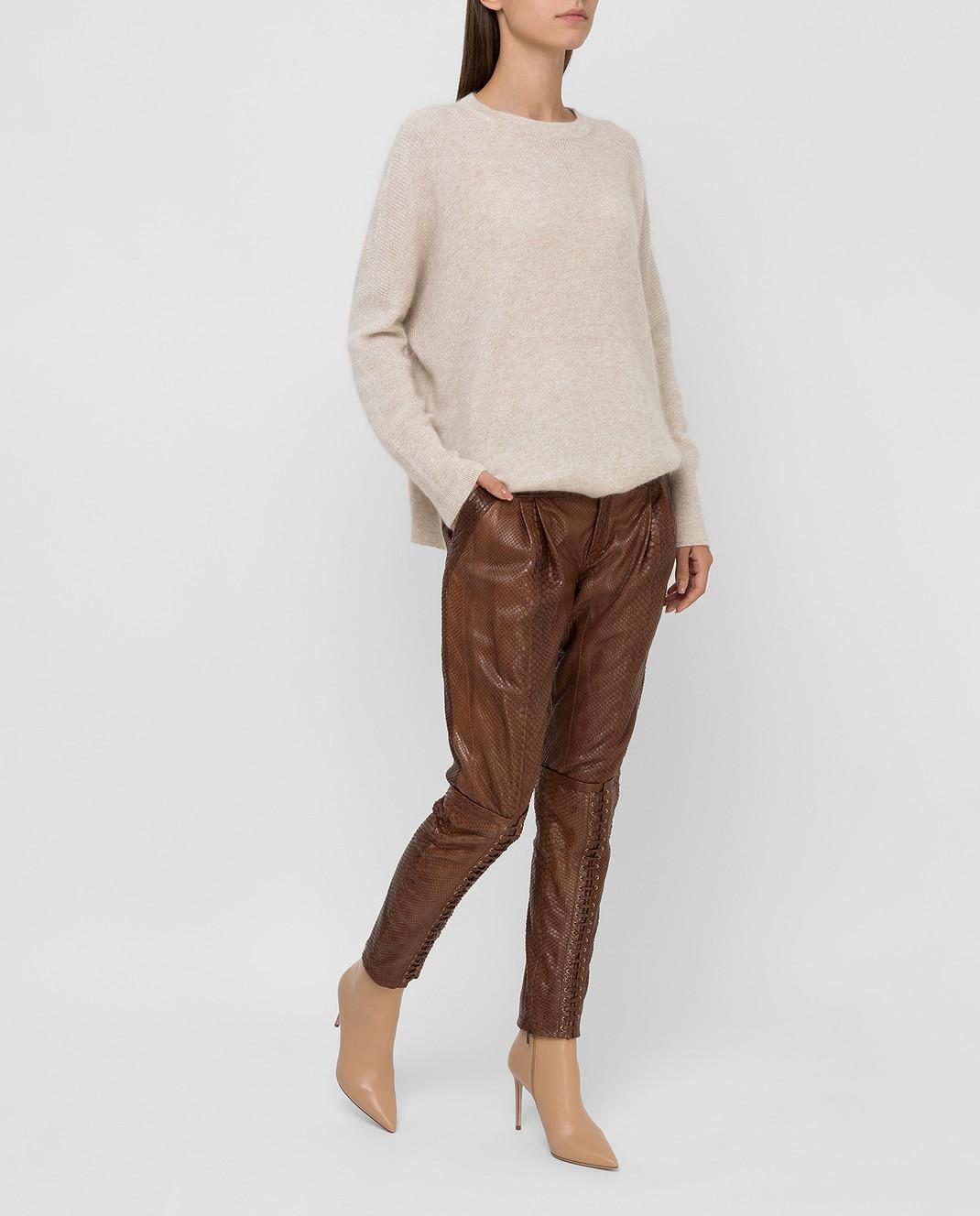 Gucci Коричневые брюки из кожи питона 264366 изображение 2