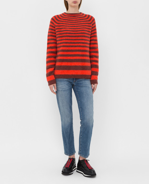 Красный свитер hover