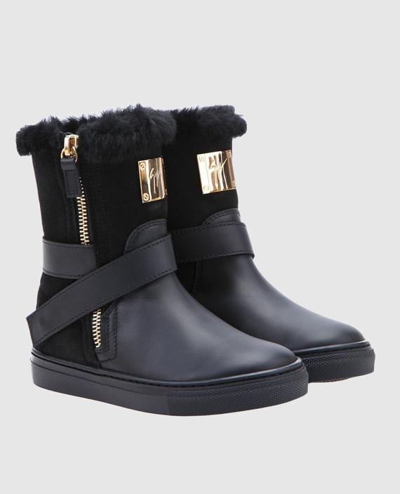 Черные замшевые сапоги на меху с кожаными деталями hover