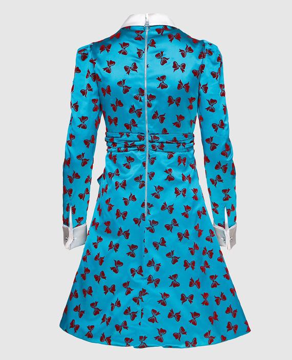 Платье из шелка hover