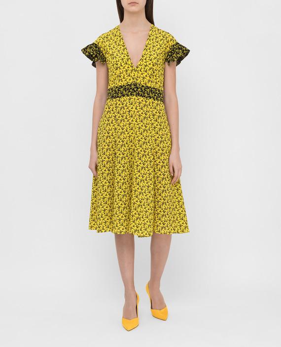 Желтое платье из шелка hover