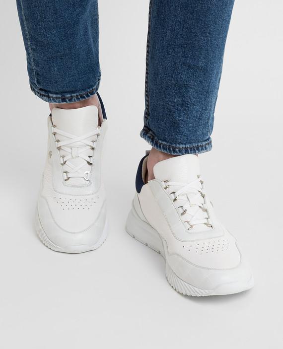 Белые кроссовки hover