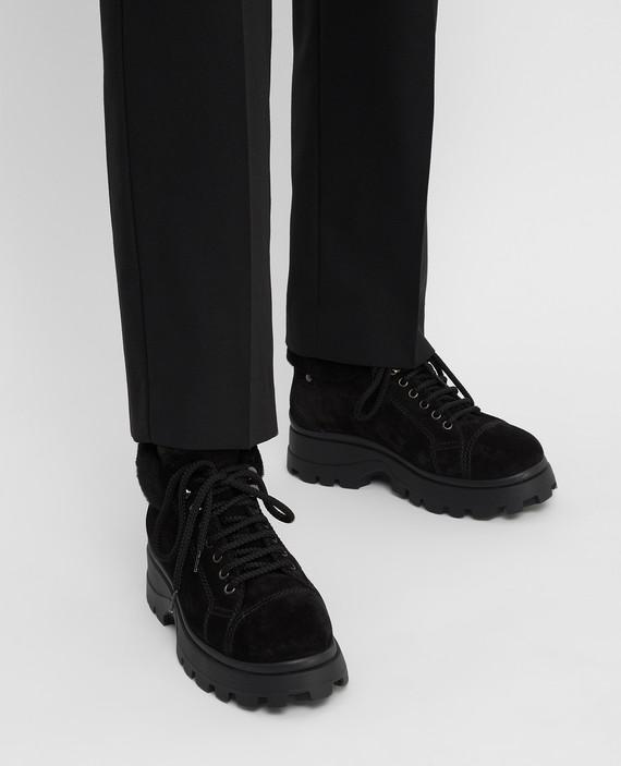 Черные замшевые ботинки на меху hover