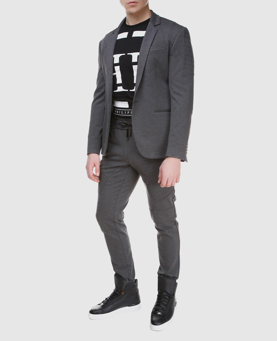 Серый пиджак hover