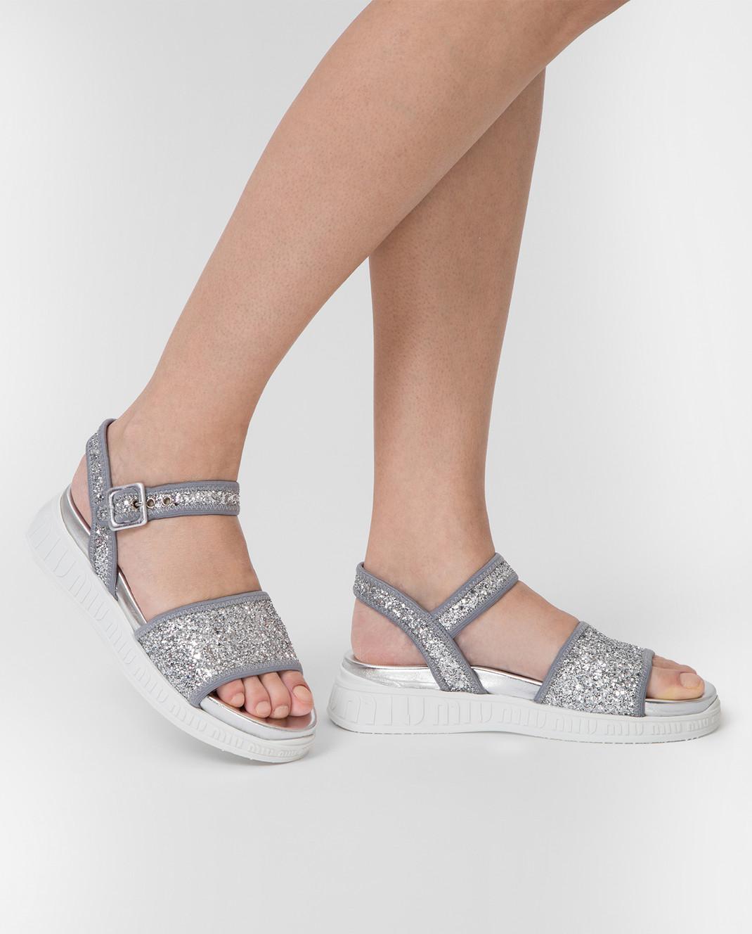 Miu Miu Серебристые сандалии 5X323C3ABQ изображение 2