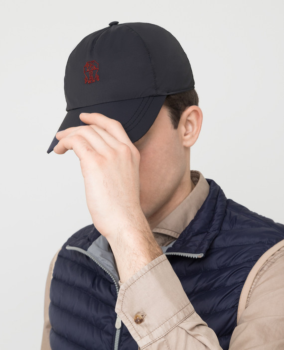 Темно-синяя кепка hover
