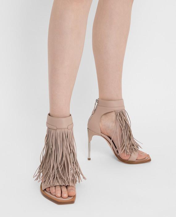 Бежевые кожаные туфли hover